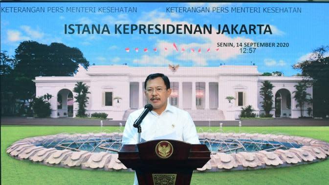 Menteri Kesehatan Terawan Agus Putranto mengatakan pasien tanpa gejala diisolasi mandiri Wisma Atlet Kemayoran di tower 4 dan 5 saat konferensi pers di Kantor Presiden, Jakarta, Senin (14/9/2020). (Biro Pers Sekretariat Presiden/Muchlis Jr)