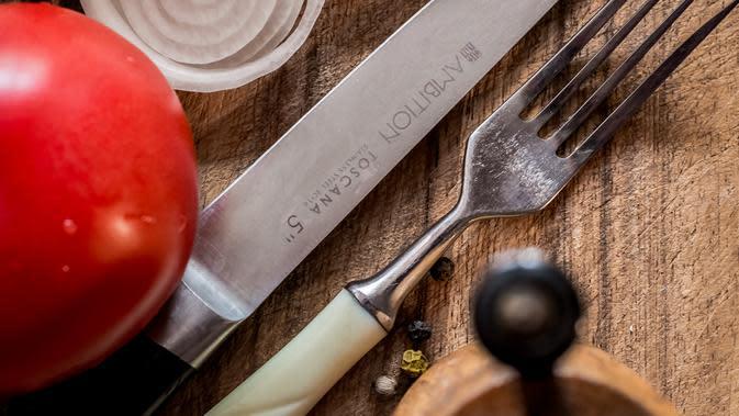 ilustrasi pisau/Photo by Robert Gołębiewski from Pexels