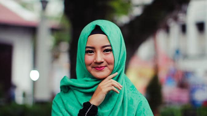 Ilustrasi perempuan muslim. Credit: pexels.com/Agoeng