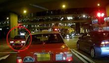 車Cam直擊:荃灣的士衝燈撞私家車 兩車嚴重損毀無人傷