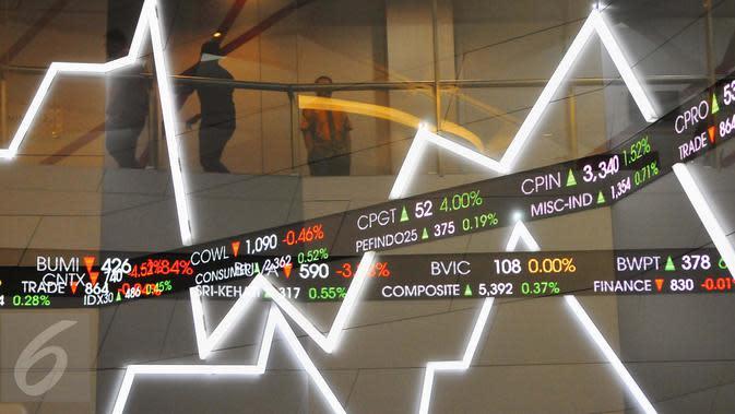 Suasana pergerakan saham di Bursa Efek Indonesia, Jakarta, Jumat (10/2). (Liputan6.com/Angga Yuniar)