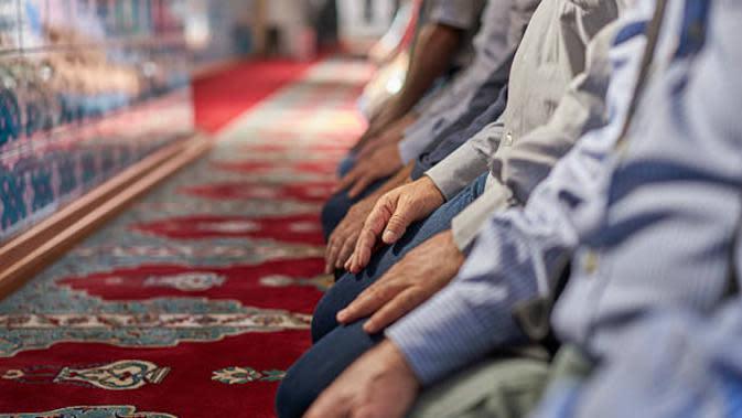 Indahnya Toleransi di Jerman, Umat Muslim Salat Id di Parkiran IKEA
