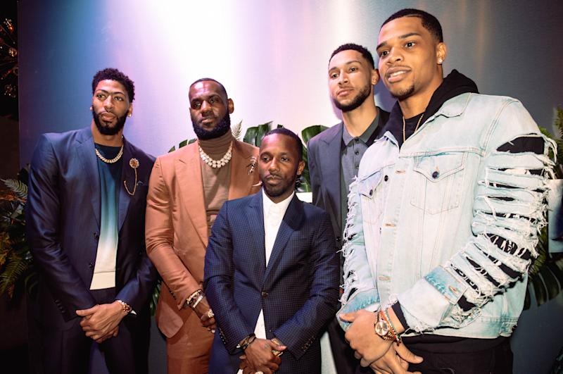 CHARLOTTE, NC - FEBRUARY 16: (L-R) Anthony Davis, LeBron James, Rich Paul, Ben Simmons, and Miles Bridges attend the Klutch 2019 All Star Weekend Dinner Presented by Remy Martin and hosted by Klutch Sports Group at 5Church on February 16, 2019 in Charlotte, North Carolina. (Photo by Dominique Oliveto/Getty Images for Klutch Sports Group 2019 All Star Weekend)