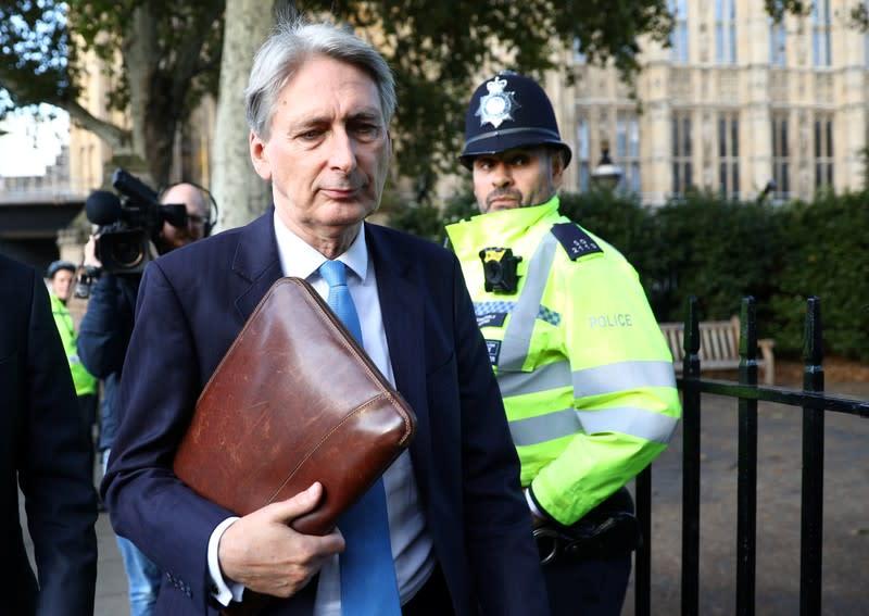 Ex-UK finance minister Hammond joins exodus from parliament