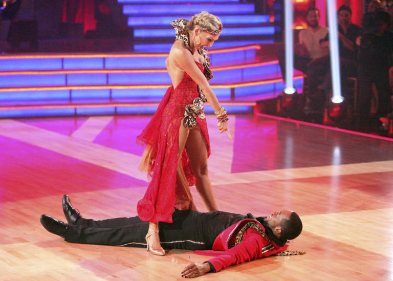 Kym Johnson and Jaleel White (4/09/12)