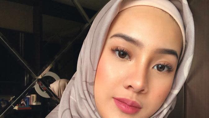 Potret Anya Geraldine Dalam Balutan Hijab (sumber: instagram/anyageraldine)