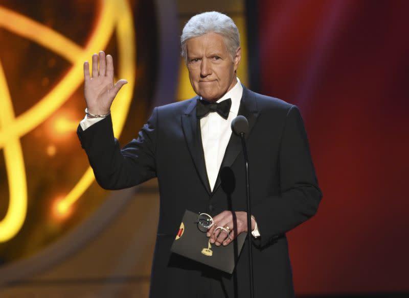 Kelly Clarkson dan Alex Trebek masuk nominasi Daytime Emmy