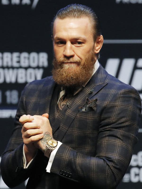 Conor McGregor untuk ketiga kalinya pensiun dari ajang UFC. (AP Photo/John Locher)