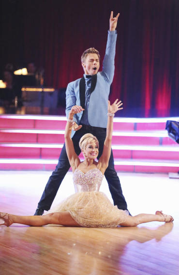 Derek Hough and Kellie Pickler (4/1/13)