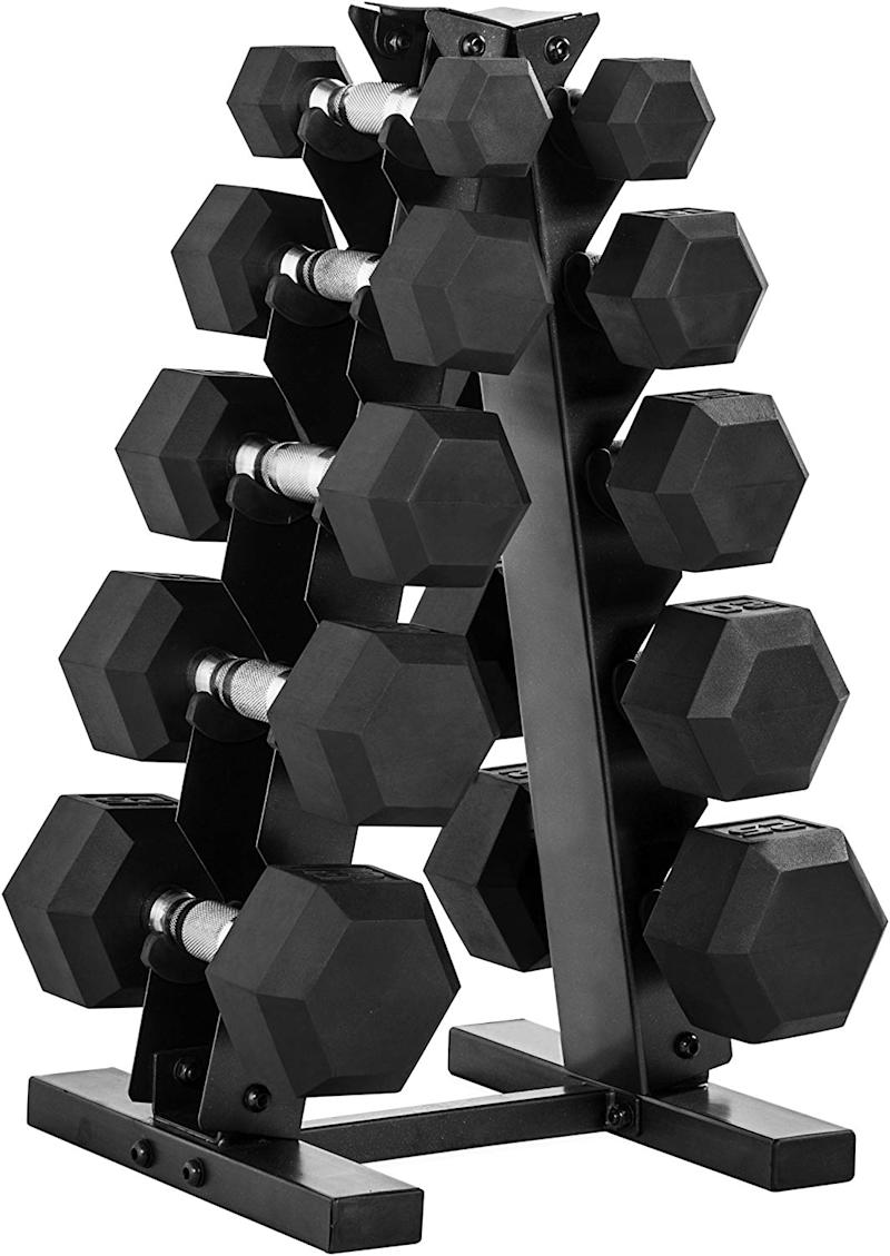 This set includes 5, 10, 15, 20 and 25 lbs dumbbells.