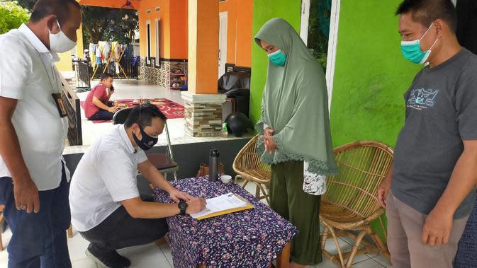 Kemnaker Berikan Bantuan Dana Kepada Pekerja Migran Bermasalah (Foto:Kemnaker)