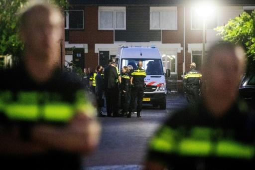 Dutch police officer kills himself and two children