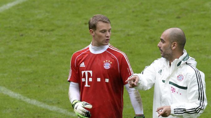 6. Manuel Neuer - Neuer adalah salah satu kiper terbaik di dunia yang dimiliki Bayern Munchen. Di bawah asuhan Guardiola, Kiper berusia 34 tahun ini menjadi terkenal karena kemampuannya mengoper bola. (AFP/Christof Stache)
