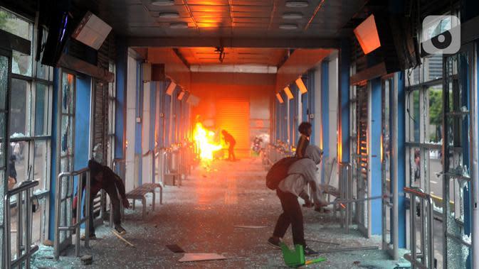 Polisi Tangkap 3 Pelajar Diduga Provokator Kerusuhan Demo RUU Cipta Kerja