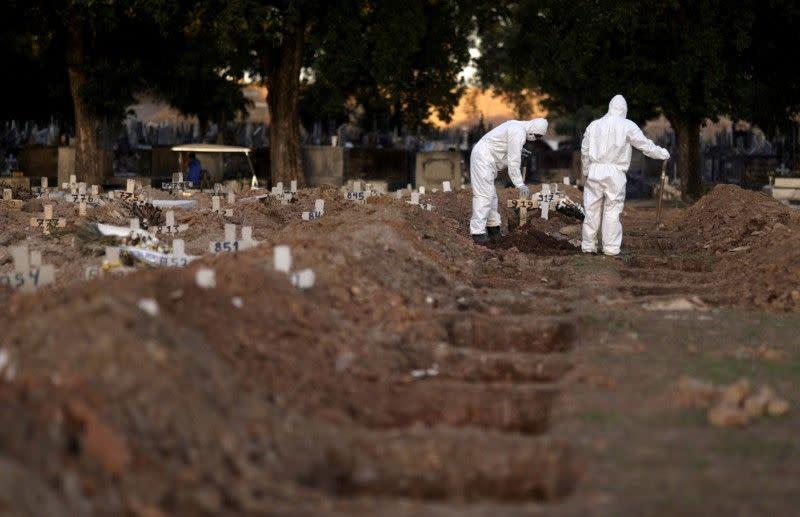 Brazil akan dibuka kembali meskipun mencatat rekor kematian akibat virus corona