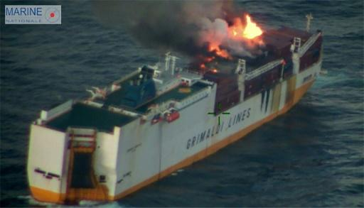 All 27 people on board the Itian cargo vessel were safely evacuated before the it sank