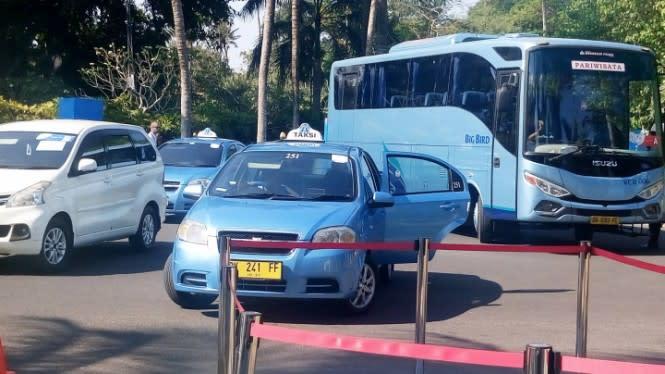 Naik Taksi Kini Bisa Bayar Pakai GoPay
