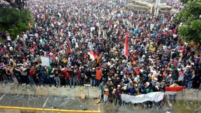 Viral Bocah Rajin Ikut Aksi, dari Habib Bahar Sampai Omnibus Law