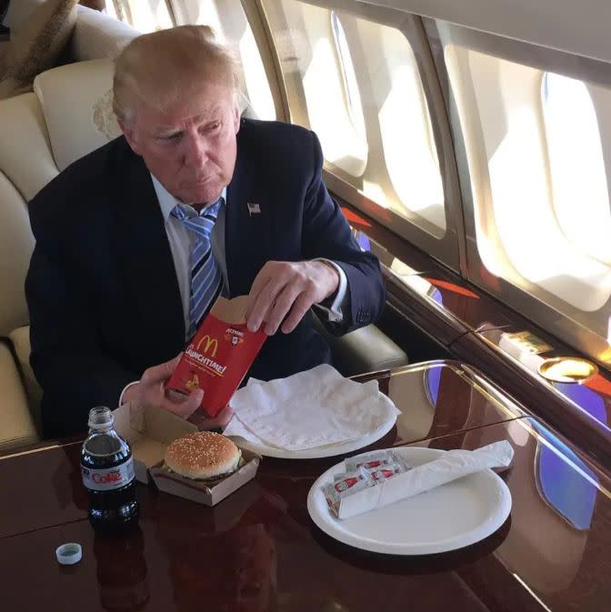 美國總統川普愛吃速食。(圖/翻攝自推特)