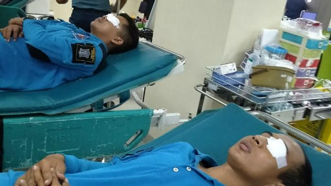 Petugas Damkar Surabaya Dirujuk ke RS Akibat Serangan Tawon Ndas