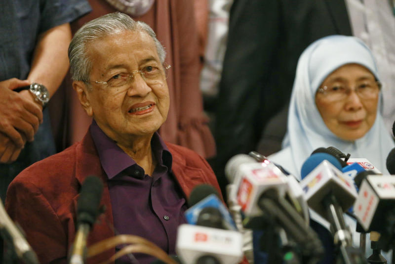 Tun Dr Mahathir Mohamad speaks during a press conference after the Pakatan Harapan President Council Meeting at Yayasan Perdana Foundation February 21, 2020. — Picture by Ahmad Zamzahuri