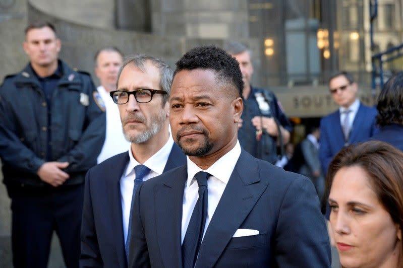 Pengacara - Aktor Cuba Gooding Jr didakwa dengan tidak sengaja menyentuh wanita ketiga