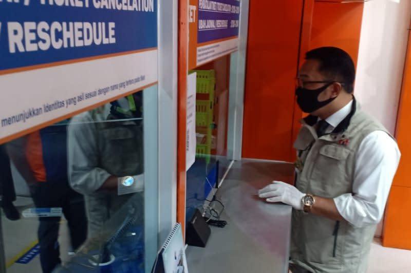 "Gubernur Jabar tinjau kesiapan PT KAI hadapi ""new normal"" transportasi"