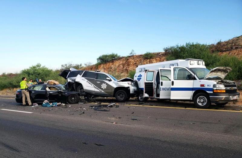 Tesla driver using Autopilot suspected of DUI after crashing into Arizona cop car