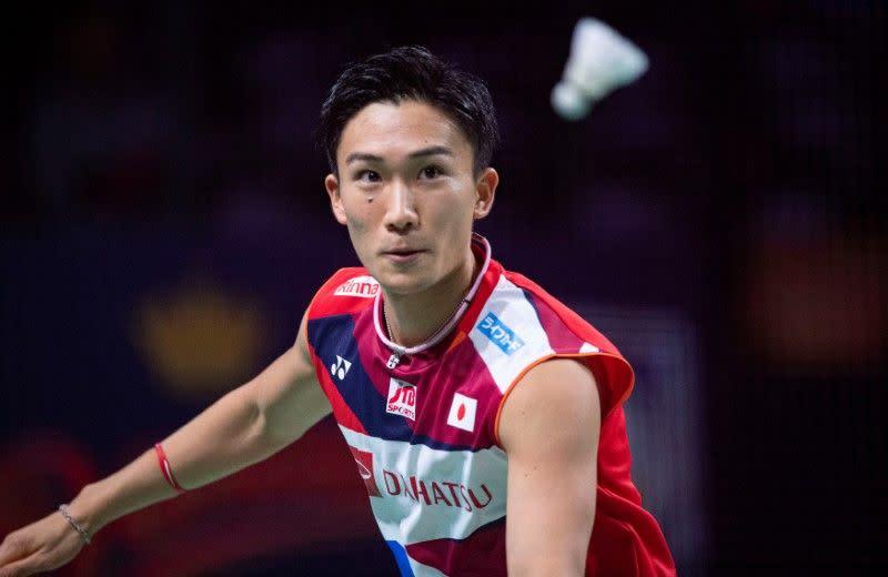 Kento Momota cedera dalam kecelakaan, sang sopir tewas