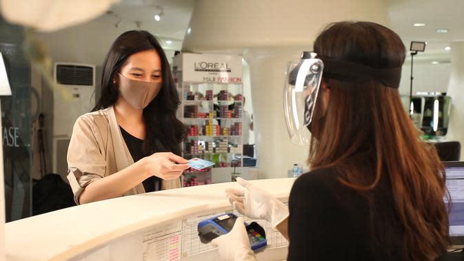 Ilustrasi ke salon saat new normal/copyright L'Oréal Indonesia