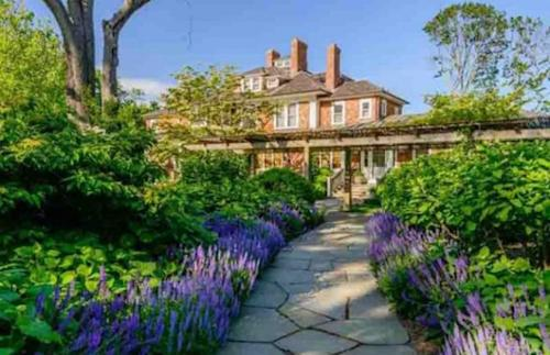 Got $65 Million? Richard Gere Has a Real Estate Deal for You