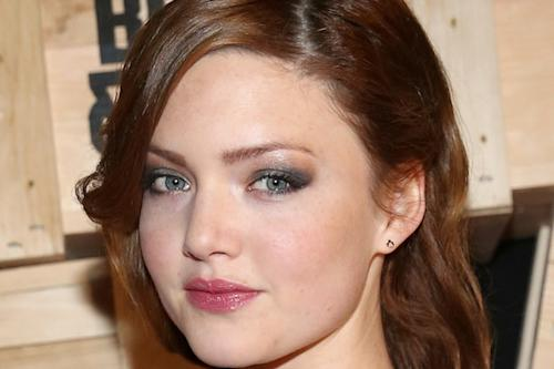 'Bonnie and Clyde' Star Holliday Grainger in Negotiations for TWC Period Romance 'Tulip Fever' (Exclusive)