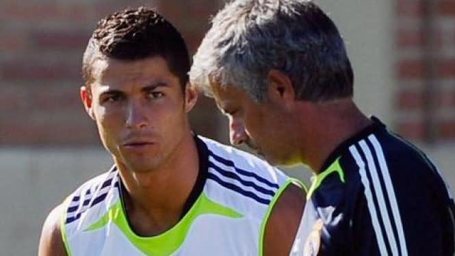 Mourinho Kagetkan Ruang Ganti Madrid, Ronaldo Dibuat Mau Nangis