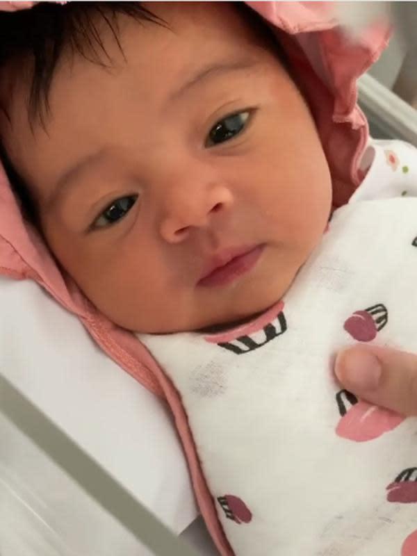 Rianti juga mengucapkan rasa terima kasihnya atas dengan proses kelahiran anak pertamanya. Seperti diketahui, Rianti mengikuti program bayi tabung untuk mendapatkan anak pertamanya. (Instagram/riantic)