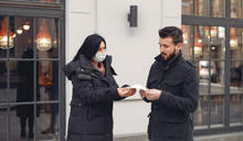 雙標美國人,戴不戴口罩要看政治認同?