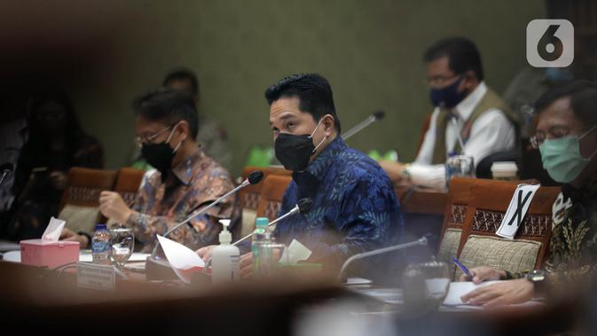 Ketua Pelaksana Komite Penanganan COVID-19 dan Pemulihan Ekonomi Nasional Erick Thohir saat rapat kerja dengan Komisi IX DPR di Kompleks Parlemen, Jakarta, Kamis (27/8/2020). Raker membahas efektivitas pengorganisasian dan penganggaran dalam penanganan COVID-19. (Liputan6.com/Johan Tallo)