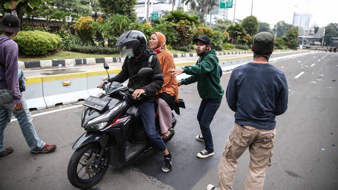 Polisi Angkut 33 Sepeda Motor yang Ditinggal Pemilik Usai Demo