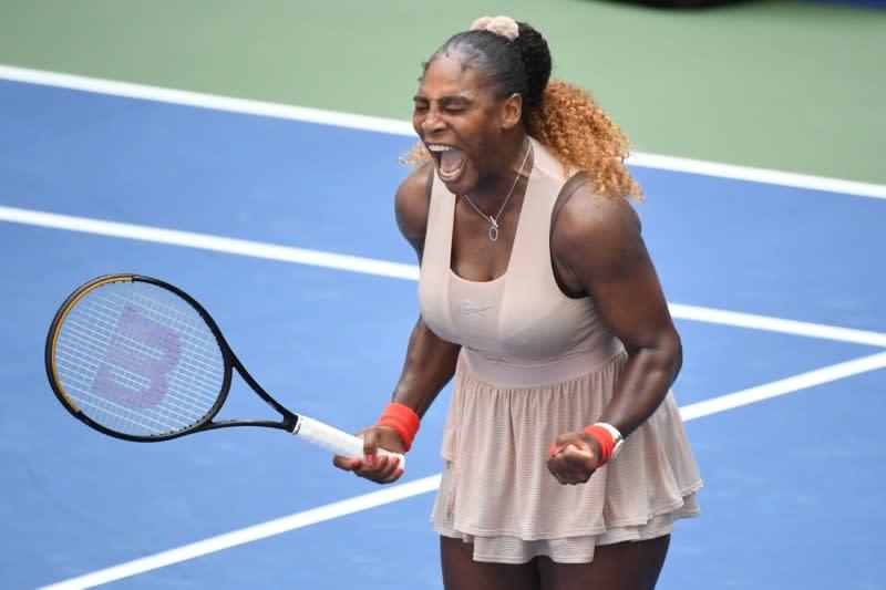 Serena battles past Sakkari to reach U.S. Open quarters