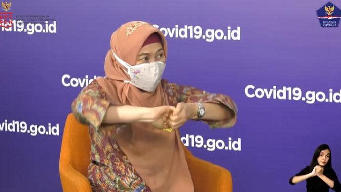 Dokter Dewiyana Andari Kusmana memberikan contoh mencuci tangan yang baik (Tangkapan Layar Youtube BNPB)