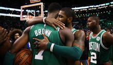 NBA》強忍悲痛! 布朗砍27分獻亡友