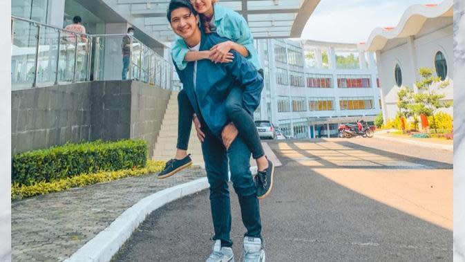 Potret Aditya Zoni dan Zoe Jackson di Balik Layar Cinta Tapi Benci. (Sumber: Instagram.com/zoeabbasjackson)