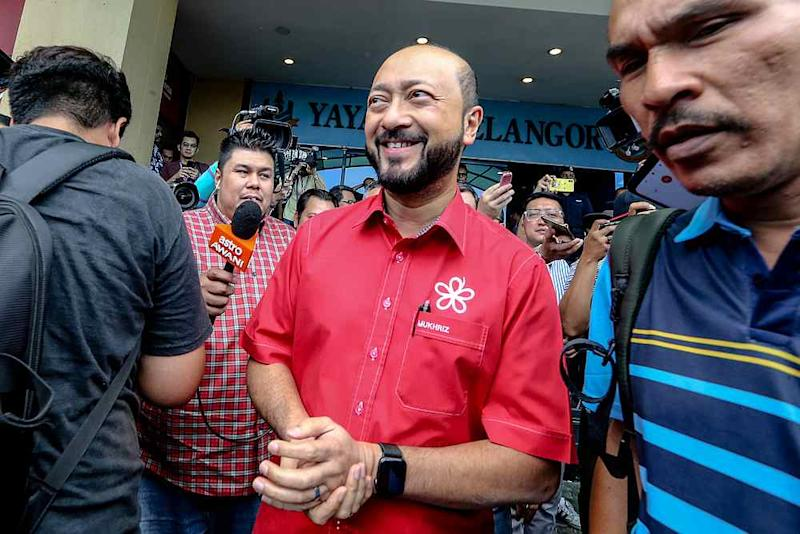PPBM deputy president Datuk Seri Mukhriz Mahathir leaves the PBBM headquarters in Petaling Jaya February 23, 2020. — Picture by Firdaus Latif