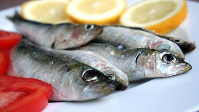 Tak cuma gurih dan nikmat, ini lima manfaat ikan sarden bagi tubuh. (Foto: Fratique.fr)