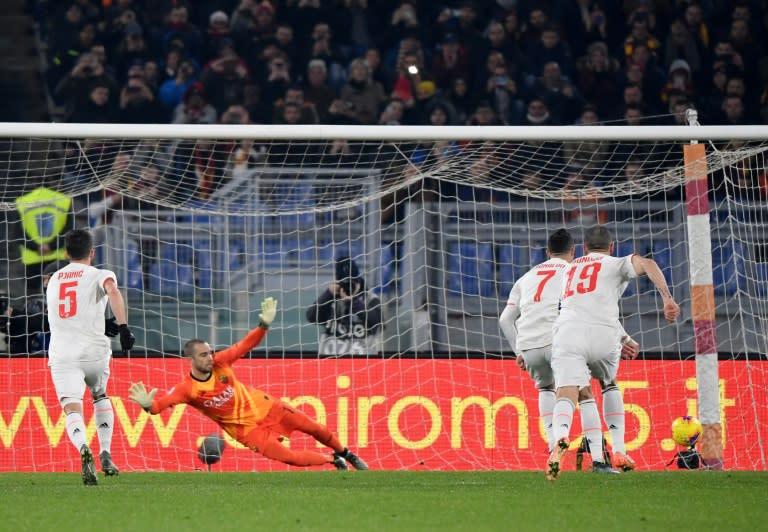 Cristiano Ronaldo (2ndR) scored a penalty to bring his tally to 14 league goals this season