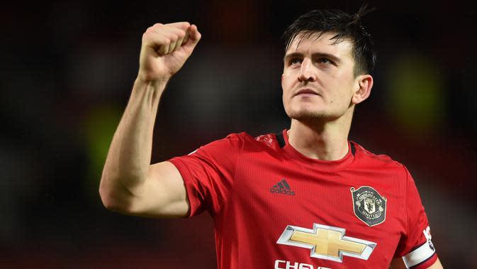 11. Harry Maguire dipercaya menjadi kapten Manchester United pada awal musim 2020 ini.(AFP/Oli Scarff)
