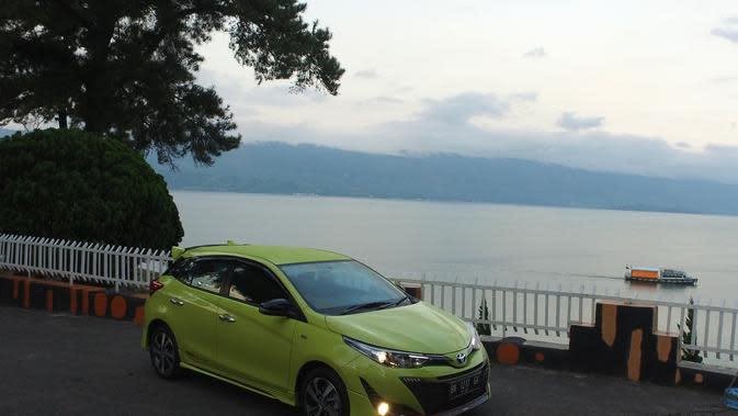 Toyota Yaris Lebih Mahal Dibanding Suzuki Baleno, Layak Dibeli?