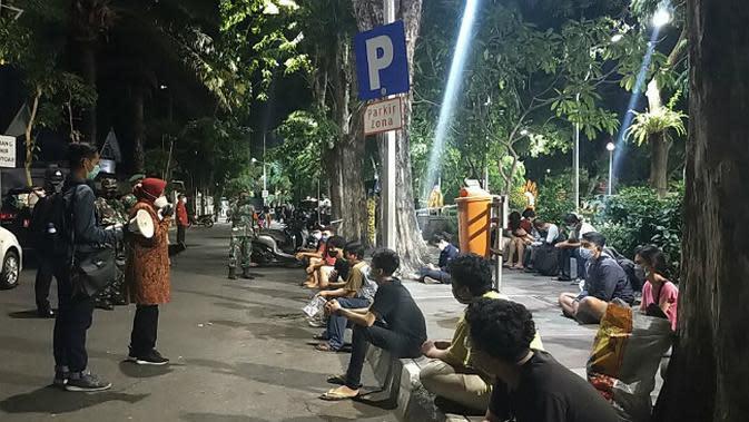 Top 3 Surabaya: Pesan Risma Saat Gelar Tes COVID-19 Mendadak