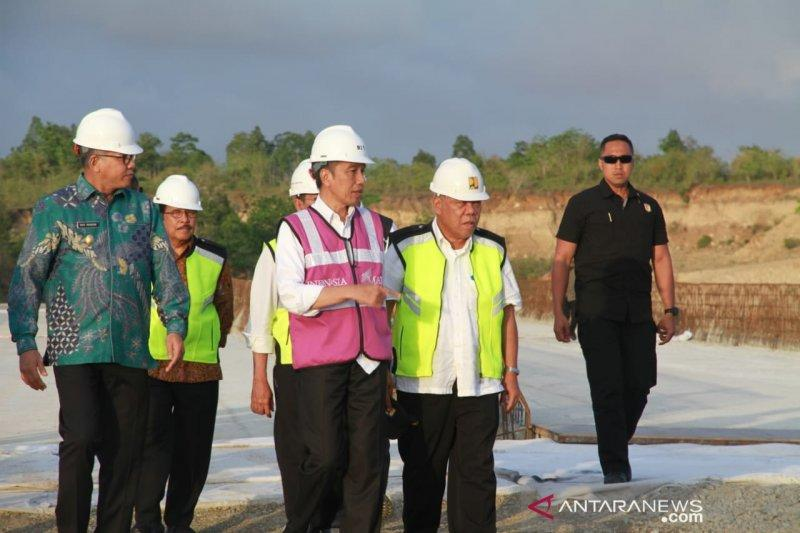 Jokowi puji cepatnya proses pembebasan lahan tol Banda Aceh-Sigli
