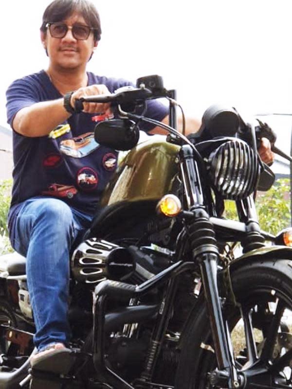 Sebagai pemilik moge, Andre pun kerap berkendara bersama teman-teman yang memiliki hobi sama. Ia pun beberapa kali melakukan touring ke berbagai wilayah yang ada di Indonesia bersama teman-temannya. (Liputan6.com/IG/@andreastaulany)