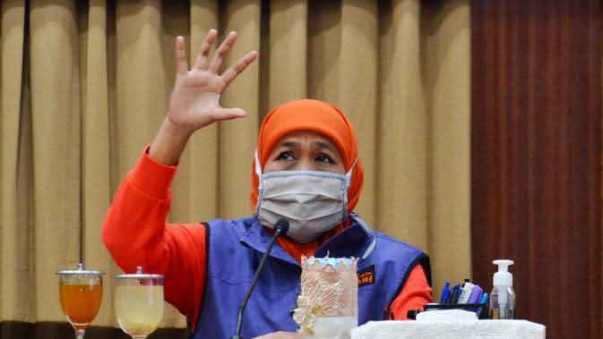 Konferensi pers perkembangan kasus virus corona baru yang memicu COVID-19 di Gedung Grahadi, Kamis (14/5/2020) (Foto: Liputan6.com/Dian Kurniawan)